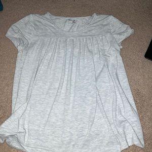 Gray Gap t-shirt